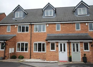Thumbnail 3 bed town house for sale in Lapwing View, Wakefield