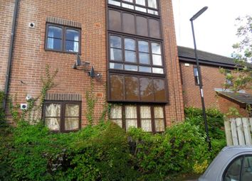 Thumbnail 2 bed flat to rent in Beechgrove House, Wallace Street