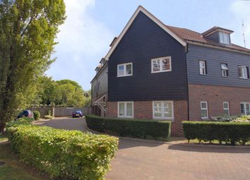 2 bed flat to rent in Chairmakers Close, Princes Risborough HP27