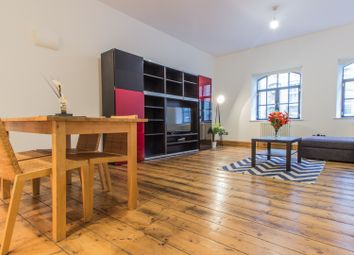 Thumbnail 2 bedroom flat to rent in 6 Pear Tree Court, London