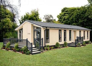 Thumbnail 2 bed mobile/park home for sale in Wolds Retreat, Caistor