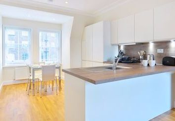 Thumbnail 1 bed flat to rent in Hamlet Gardens, Hammersmith