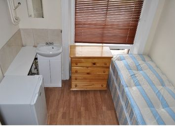 Thumbnail Room to rent in Holland Road, Holland Park/Shepherds Bush