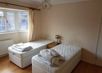 Thumbnail Room to rent in Hever Croft, Mottingham, London