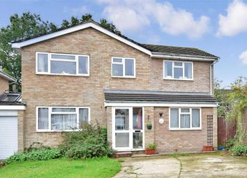 4 bed link-detached house for sale in Streatfield, Edenbridge, Kent TN8