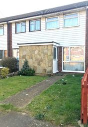 Thumbnail 2 bed flat to rent in Cleave Avenue, Hayes