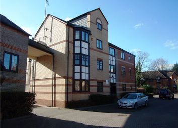 Thumbnail 2 bed flat to rent in Waterside Gardens, Reading, Berkshire