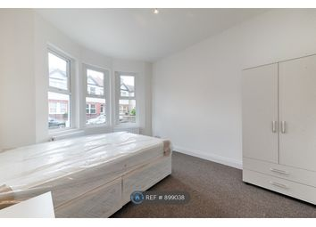 Room to rent in Ilex Road, London NW10