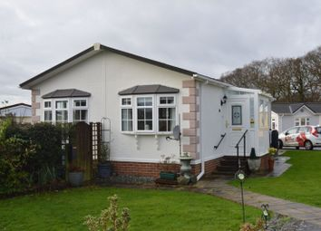 2 bed mobile/park home for sale in Medina Park, Folly Lane, Whippingham, East Cowes PO32