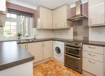 Thumbnail 4 bed detached house to rent in Grove Wood Hill, Coulsdon