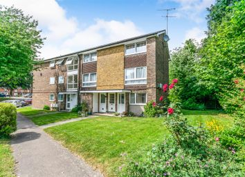 Thumbnail 2 bed maisonette for sale in Cotswold Court, Horsham