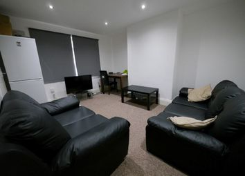 3 bed property to rent in Mayville Avenue, Hyde Park, Leeds LS6