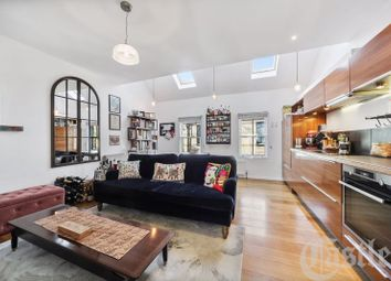 2 bed maisonette for sale in Crouch Hill, London N8