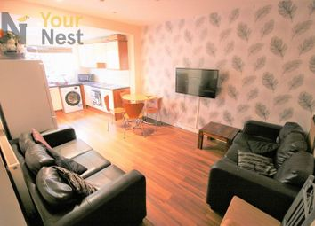 Thumbnail 6 bed property to rent in Ash Road, Headingley