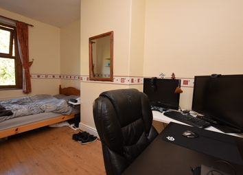 Room to rent in Wood Terrace, Huddersfield HD4