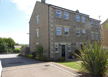 Thumbnail 3 bed town house for sale in Gardeners Walk, Skelmanthorpe, Huddersfield