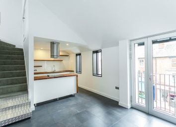 Thumbnail 2 bed flat to rent in Cowley Road, Oxford