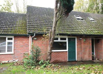 Thumbnail Bungalow to rent in Canterbury Road, Kennington, Ashford