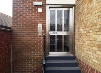 2 bed flat to rent in Edward Road, Bedworth CV12