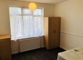 Craven Gardens, London IG6. Room to rent