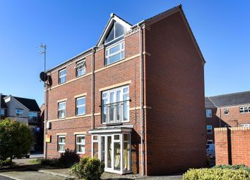 2 bed flat for sale in Banbury, Oxfordshire OX16