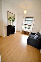 Thumbnail Flat to rent in Battersea Bridge Road, London