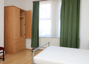 Thumbnail 2 bed flat to rent in Gambole Road, London