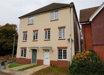 Thumbnail 4 bed town house to rent in Wayside, Wokingham