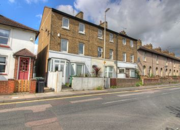 Thumbnail 3 bedroom town house to rent in Dover Road, Gravesend