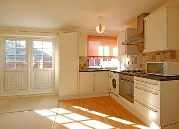 Thumbnail 2 bed flat to rent in Peppard Common, Oxfordshire