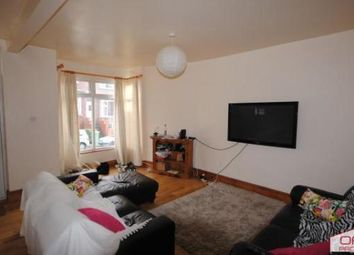 6 bed terraced house to rent in 62 Manor Drive, Hyde Park LS6