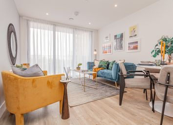 Charter Square, High Street, Staines Upon Thames TW18. 1 bed flat for sale