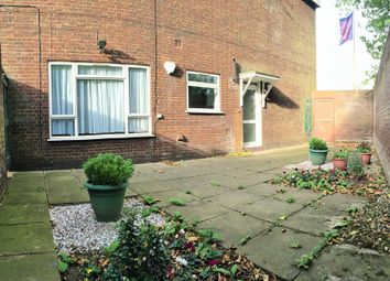 Thumbnail 2 bed flat to rent in Anstey Road, Reading