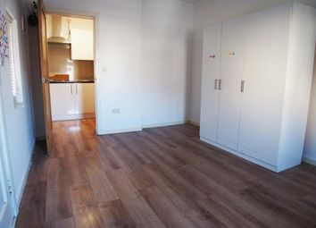 Thumbnail Studio to rent in Lordship Lane, London