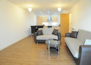 Staines Road, Hounslow TW3. 2 bed flat