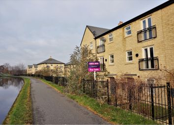 Thumbnail 2 bed town house to rent in Holts Crest Way, Leeds