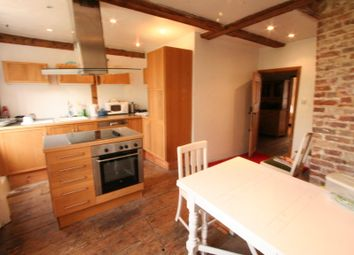 Thumbnail 1 bed flat to rent in High Street, Rochester, Kent