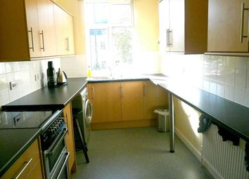 Thumbnail 1 bed flat to rent in High Street, Bushey