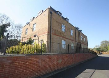 Thumbnail 2 bedroom flat to rent in Summer Crossing, Thames Ditton
