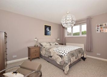 3 bed link-detached house for sale in Hawks Way, Ashford, Kent TN23
