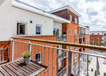 Thumbnail 1 bedroom flat for sale in Merrick House, Whale Avenue, Reading