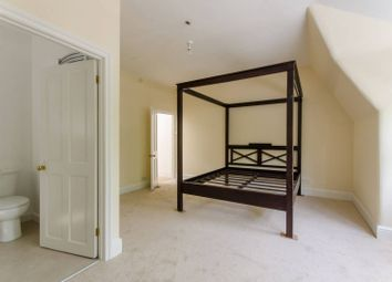 Thumbnail 2 bed flat to rent in Kings Avenue, Muswell Hill