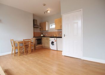 Thumbnail 1 bed flat to rent in Newington Green Road, Newington Green