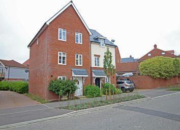 Sargent Way, Broadbridge Heath, Horsham RH12. 4 bed semi-detached house