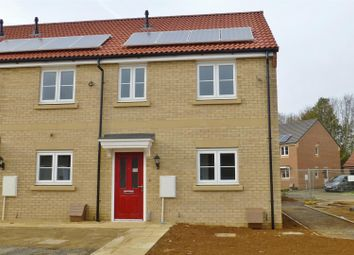Thumbnail 3 bed town house to rent in Hetterley Drive, Barleythorpe, Oakham