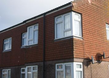 Thumbnail 2 bed flat to rent in Lexington Grove, Reading