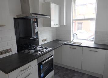 2 bed property to rent in Clark Road, Leeds LS9