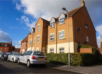 Thumbnail 2 bed flat for sale in Shaw Gardens, Slough