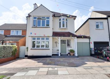 Thumbnail 5 bed detached house for sale in Flemming Avenue, Leigh-On-Sea