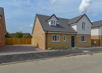 Thumbnail 3 bed detached house for sale in Taylors Road, Stotfold, Hitchin